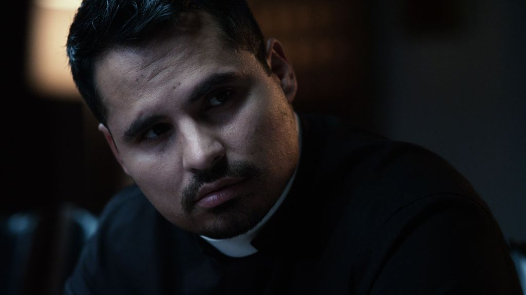 Michael Pena in THE VATICAN TAPES