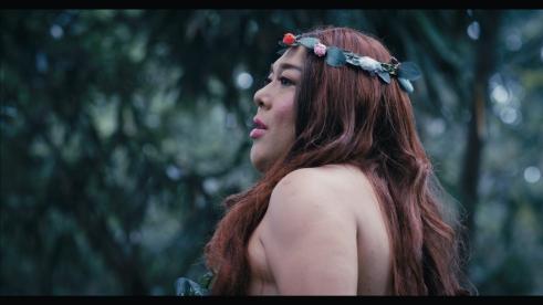 Kristoff (Lapus) as Eve