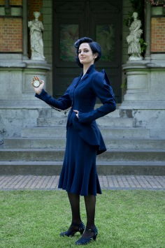 eva-green-in-the-title-role-miss-peregrines-home-for-peculiar-children
