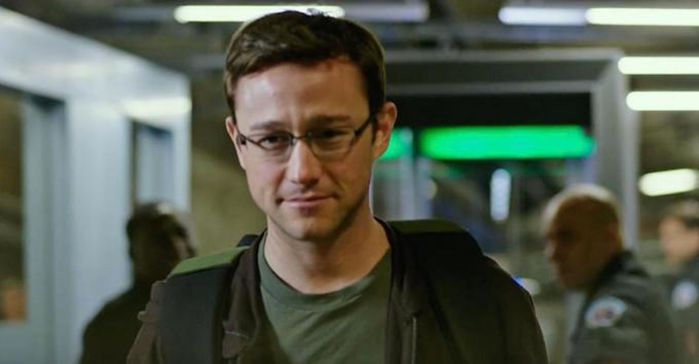 joseph_gordon_levitt_as_edward_snowden-image2