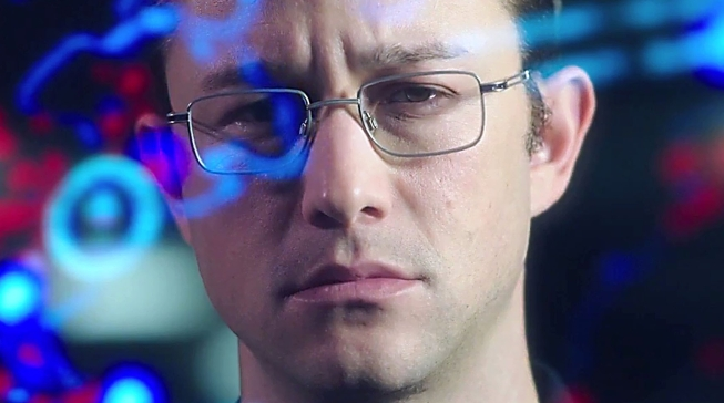 joseph_gordon_levitt_as_edward_snowden-image3