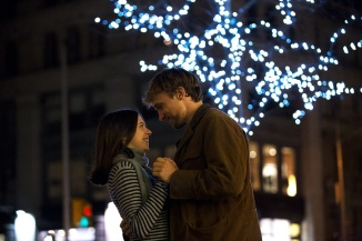 bel powley and william moseley in CARRIE PILBY