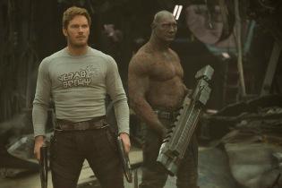 Guardians Of The Galaxy Vol. 2..L to R: Star-Lord/Peter Quill (Chris Pratt) and Drax (Dave Bautista)..Ph: Chuck Zlotnick..©Marvel Studios 2017