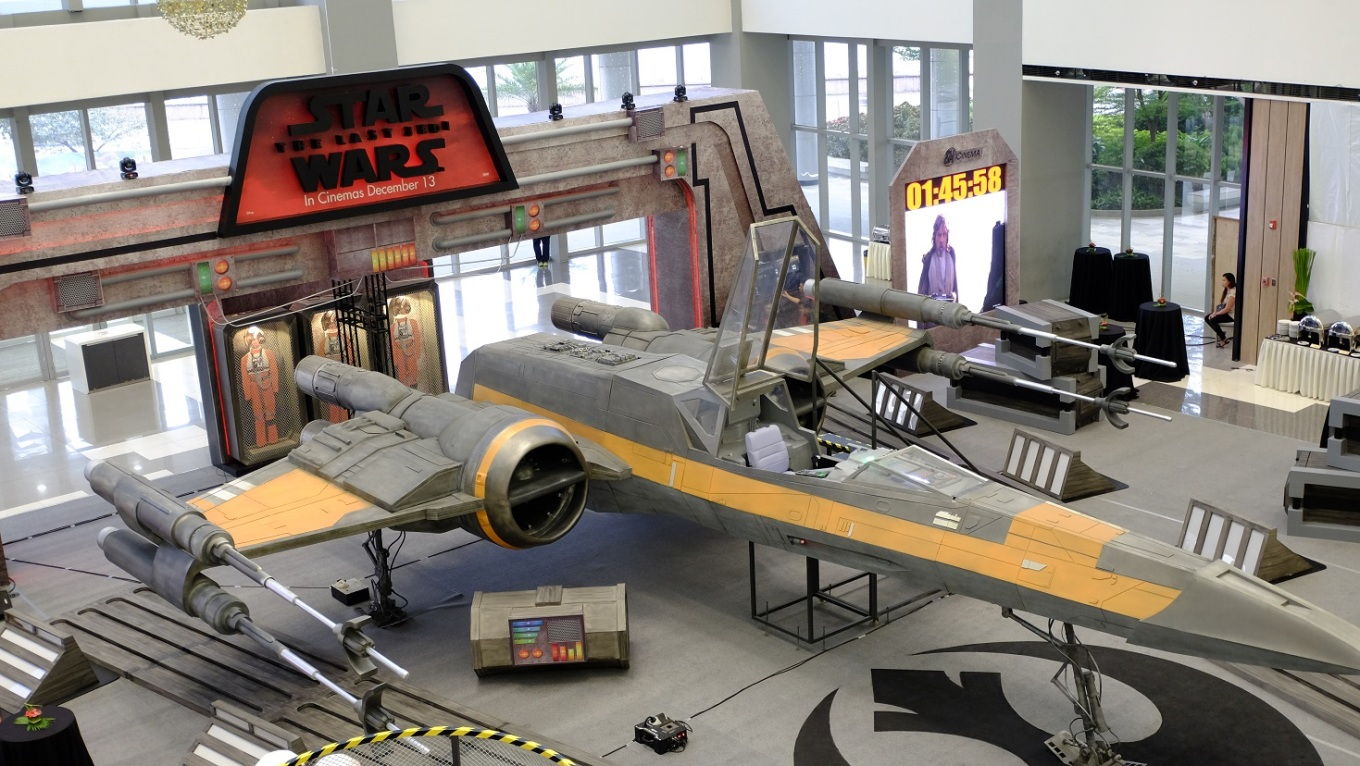 X-Wing Starfighter by SM Cinema