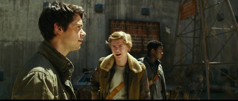 dylan o' brien and thomas brodie-sangster in MAZE RUNNER THE DEATH CURE