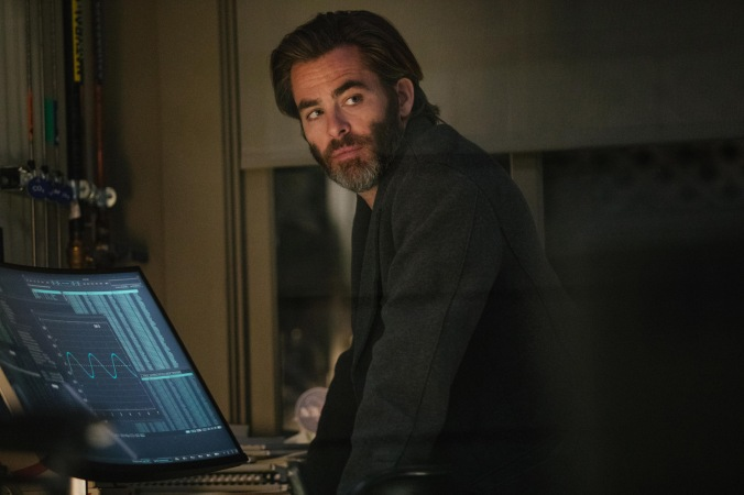 Chris Pine is Mr. Murry in Disney's A WRINKLE IN TIME.