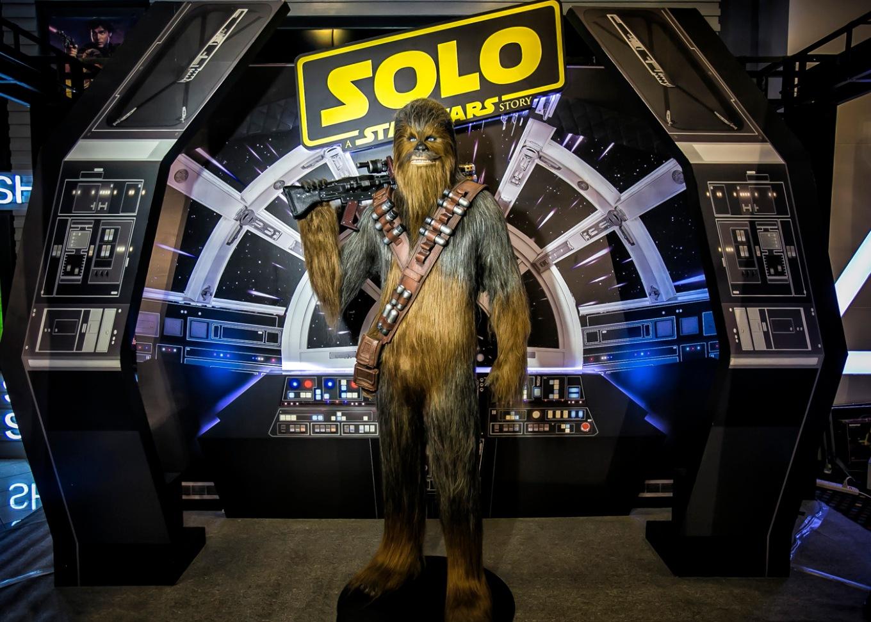 Solo-ChewbaccaStatue