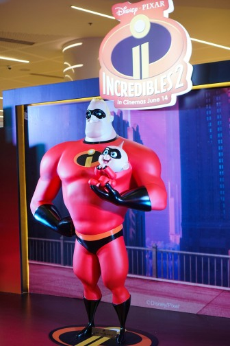 Incredibles 2 - Mr. Incredible and Jack Jack