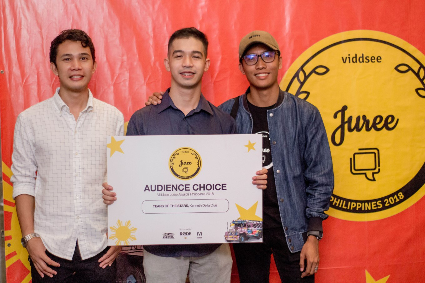 Audience Choice winner (Kenneth dela Cruz with his actor and cinematographer)