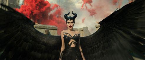 Maleficent Mistress of Evil 01